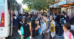 Metrobüs değil okul durağı!