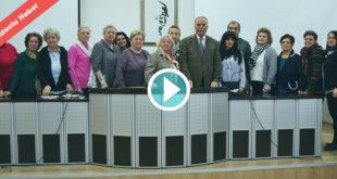 Kosovalı kadınlara kedili hoş geldin