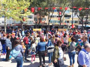 AK Parti Gençlerinden 23 Nisan Kutlaması