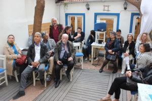 Cafe Pascua'da Troya Buluşması